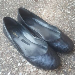 Cole Haan Nike Air Leather Black Flats 7.5